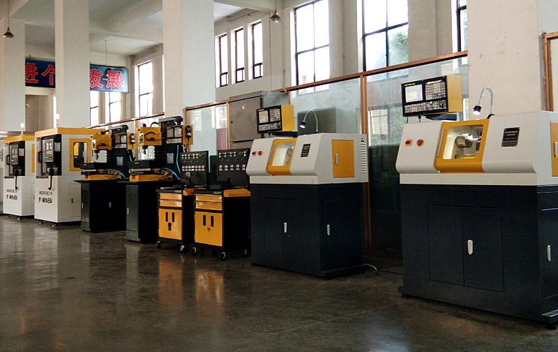 佛山育能小型数控机床创客机械工作室用户
